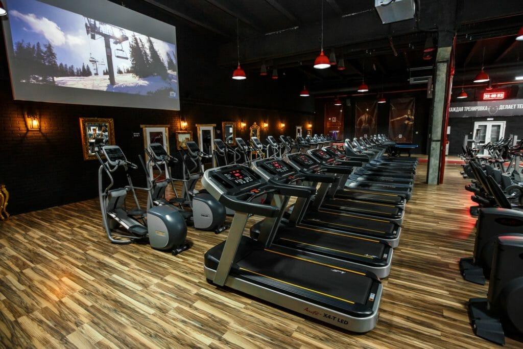 Фитнес-залы: идеальное место для занятием спортом. Как выбрать лучший?